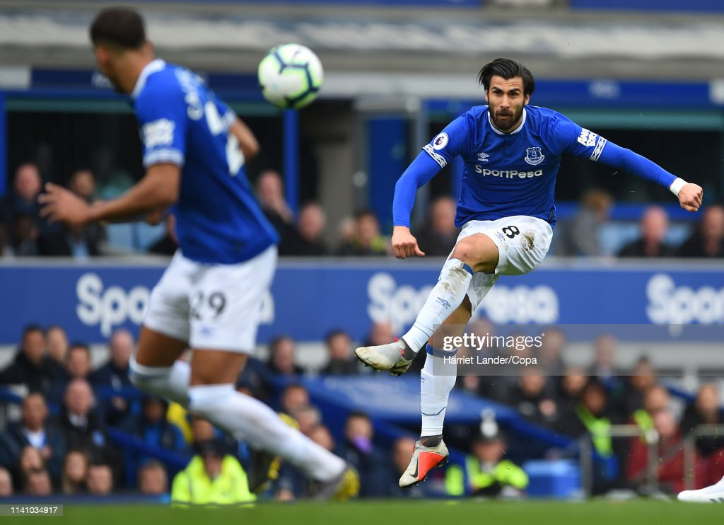 Everton FC v Arsenal FC - Premier League : News Photo