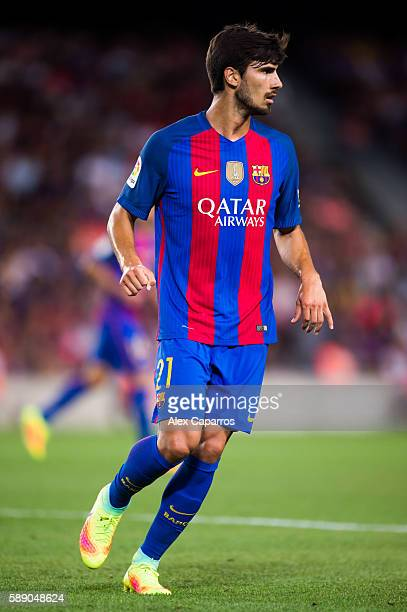 Andre Gomes of FC Barcelona runs during the Joan Gamper trophy match between FC Barcelona and UC Sampdoria at Camp Nou on August 10 2016 in Barcelona...