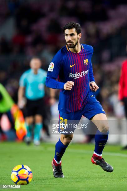 Andre Gomes of FC Barcelona runs with the ball during the La Liga match between Barcelona and Levante at Camp Nou on January 7, 2018 in Barcelona,...