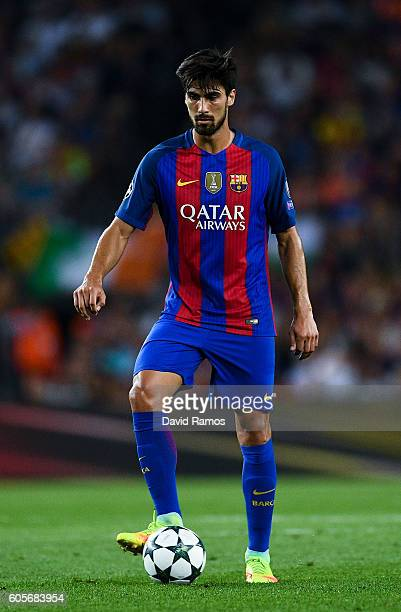 Andre Gomes of FC Barcelona runs with the ball during the UEFA Champions League Group C match between FC Barcelona and Celtic FC at Camp Nou on...