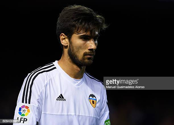 Andre Gomes of Valencia reacts during the Copa del Rey Semi Final second leg match between Valencia CF and FC Barcelona at Estadio Mestalla on...
