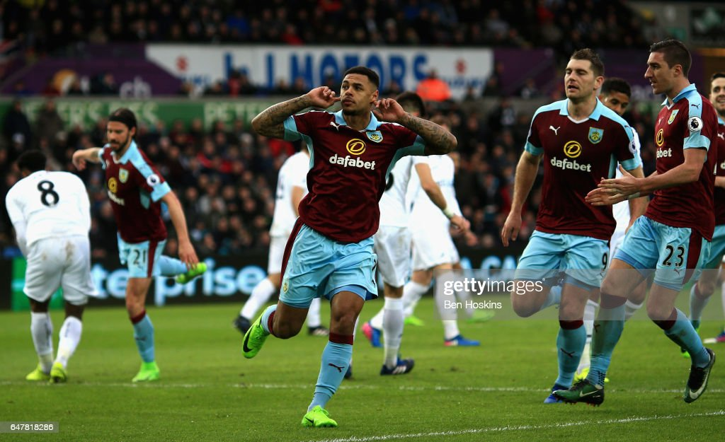 Swansea City v Burnley - Premier League : News Photo