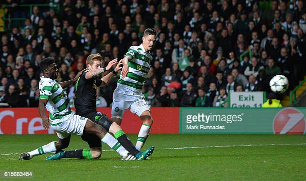 Andre Hahn of Borussia Moenchengladbach scores his team's second goal of the game during the UEFA Champions League group C match between Celtic FC...