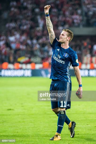 Andre Hahn of Hamburg celebrates the win of his team after the Bundesliga match between 1 FC Koeln and Hamburger SV at RheinEnergieStadion on August...