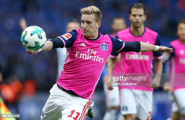 Andre Hahn of Hamburger SV fights for the ball during the Bundesliga match between Hertha BSC and Hamburger SV at Olympiastadion on October 28 2017...