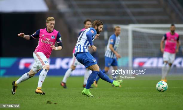 Andre Hahn of Hamburger SV fights for the ball with Marvin Plattenhardt during the Bundesliga match between Hertha BSC and Hamburger SV at...