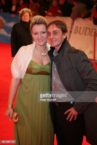 Andre Hennicke Denise Gebhardt Premiere zum Kinofilm Buddenbrooks Ein Geschäft von einiger Grösse Lichtburg Essen NordrheinWestfalen Deutschland...