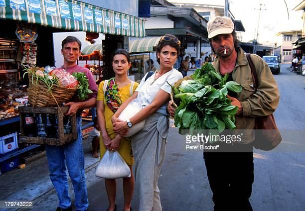 Andre Hennicke Lisa Wolf Gerit Kling und Oliver Tobias ZDFSerie Verschollen in Thailand Pilotfilm auf dem Markt Schauspielerin Schauspieler Promis...