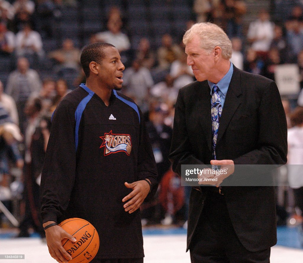 NBA Europe Live - Philadelphia 76ers vs Phoenix Suns - October 10, 2006 : News Photo