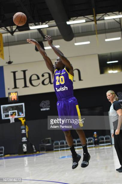 Andre Ingram of the South Bay Lakers shoots the basketball against the Capital City GoGo on December 13 2018 at UCLA Heath Training Center in El...