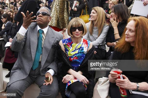 Andre Leon Talley and Anna Wintour during Paris Fashion Week Fall/Winter 2007 Chloe Front Row and Arrivals at Paris Fashion Week Fall/Winter 2007 in...