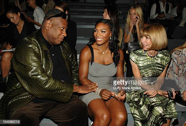 Andre Leon Talley Serena Williams and Anna Wintour attend the Vera Wang Spring 2011 fashion show during MercedesBenz Fashion Week at The Stage at...
