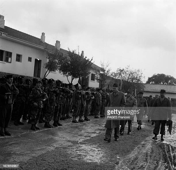 Andre Louis Dubois En decembre 1955 le haut fonctionnaire et préfet de Police de la seine Andre Louis DUBOIS en tournée au Maroc Ici il passe en...