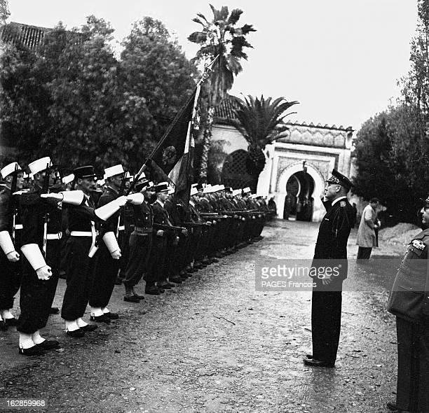 Andre Louis Dubois En decembre 1955 le haut fonctionnaire et préfet de Police de la seine André Louis DUBOIS en tournée au Maroc Ici il fait le salut...