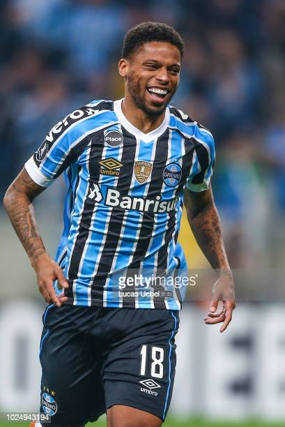 Andre of Gremio celebrates after scores a penalty kick during the match between Gremio and Estudiantes part of Copa Conmebol Libertadores 2018 at...