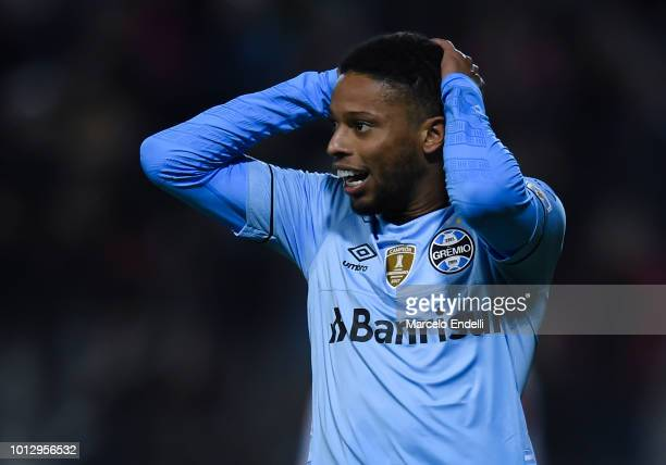Andre of Gremio reacts after missing a goal during a round of sixteen first leg match between Estudiantes de La Plata and Gremio as part of Copa...