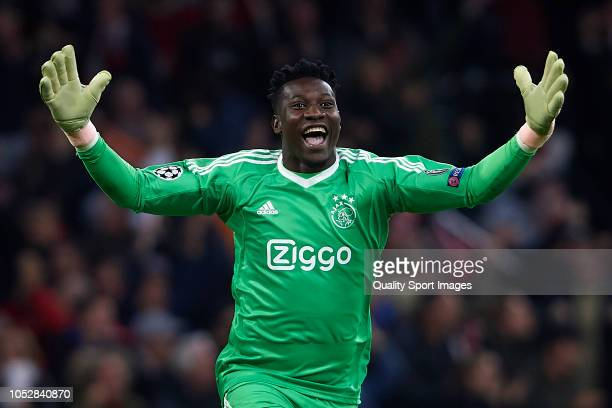 Andre Onana of Ajax celebrates after winning the Group E match of the UEFA Champions League between Ajax and SL Benfica at Johan Cruyff Arena on...