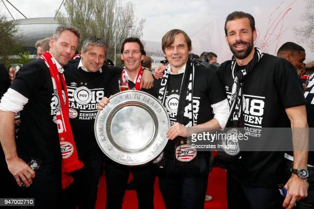 Andre Ooijer of PSV assistant trainer Ruud Brood of PSV coach Chris van der Weerden of PSV Phillip Cocu of PSV assistant trainer Ruud van Nistelrooij...