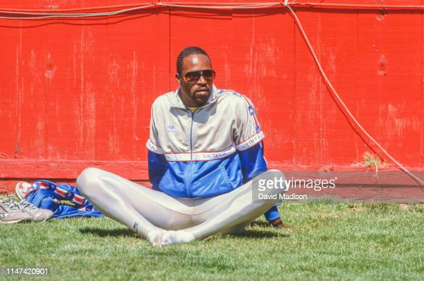 Andre Phillips prepares to run the 400 meter hurdles during March 1987 at Stanford Stadium on the campus of Stanford University in Palo Alto,...