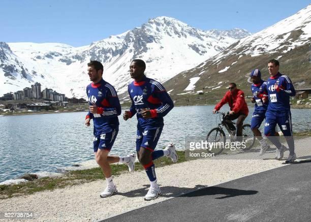 Andre Pierre GIGNAC / Djibril CISSE Entrainement / Footing Tignes Stade de preparation de l equipe de France Tignes