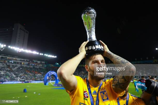 Andre Pierre Gignac of Tigres celebrates with the Championship Trophy after the final second leg match between Leon and Tigres UANL as part of the...
