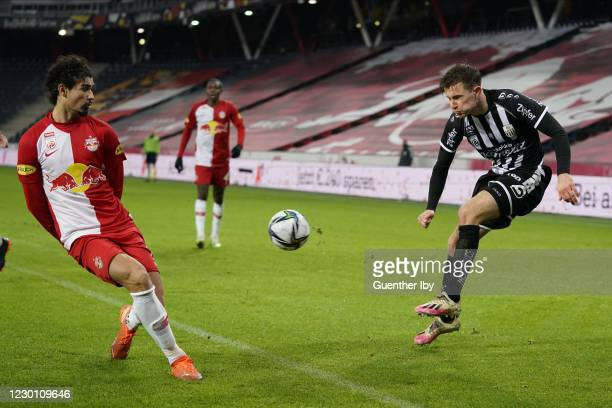 Andre Ramalho Silva of Salzburg and Johannes Eggestein of LASK during the tipico Bundesliga match between FC Red Bull Salzburg and LASK at Red Bull...
