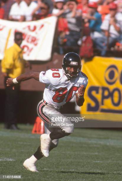 Andre Rison of the Atlanta Falcons runs a pass rout against the San Francisco 49ers during an NFL Football game September 23 1990 at Candlestick Park...