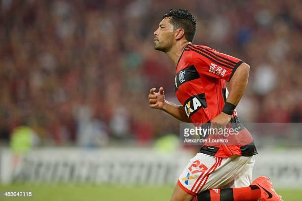Andre Santos of Flamengo celebrates a scored goal during a match between Flamengo and Leon as part of Copa Bridgestone Libertadores 2014 at Maracana...