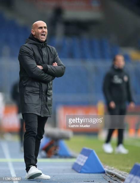 Andre Schubert, head coach of Eintracht Braunschweig shouts instructions during the 3. Liga match between Eintracht Braunschweig and SV Wehen...