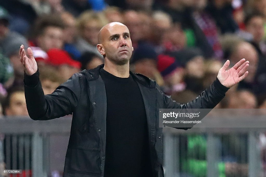 Andre Schubert, head coach of Moenchengladbach reacts during the during the Bundesliga match between Bayern Muenchen and Borussia Moenchengladbach at Allianz Arena on October 22, 2016 in Munich, Germany.
