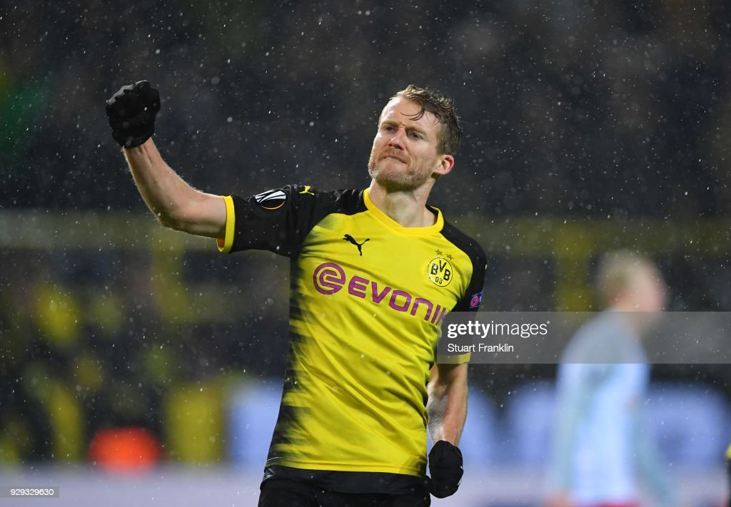 Borussia Dortmund v FC Red Bull Salzburg - UEFA Europa League Round of 16: First Leg : News Photo