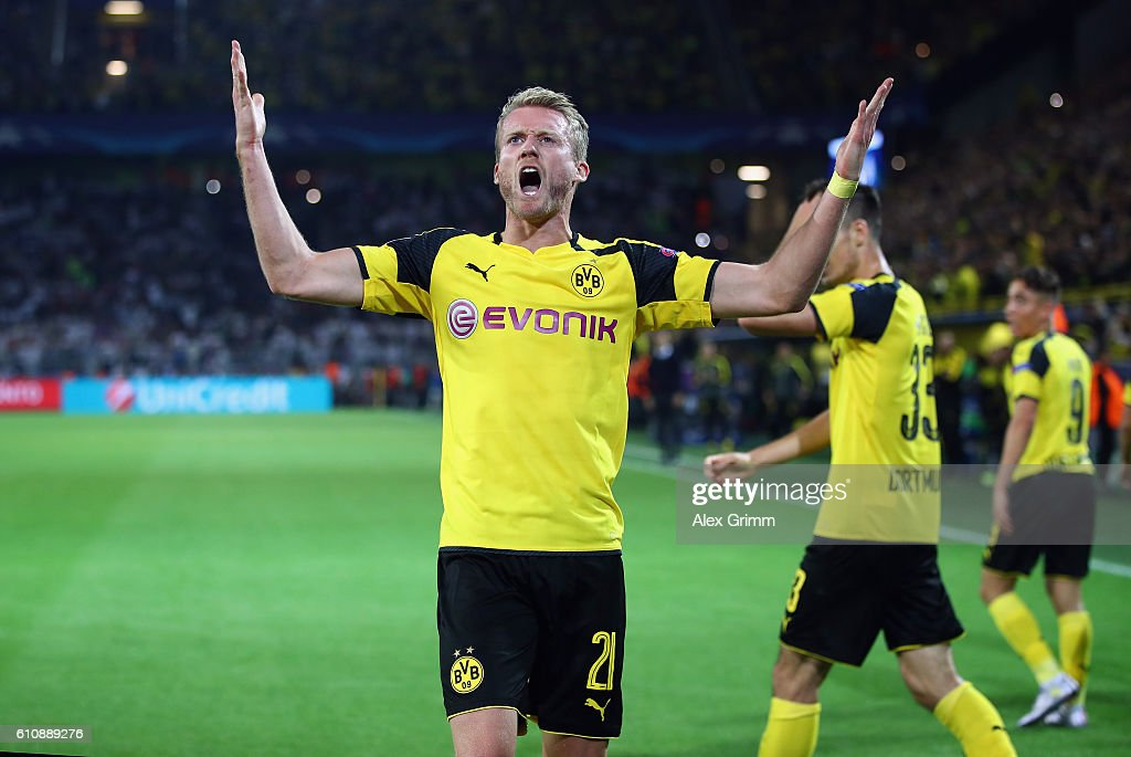 Andre Schuerrle of Dortmund celebrates his team's second goal during the UEFA Champions League Group F match between Borussia Dortmund and Real Madrid CF at Signal Iduna Park on September 27, 2016 in Dortmund, North Rhine-Westphalia.