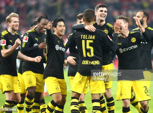 Andre Schuerrle of Dortmund Michy Batshuayi of Dortmund Shinji Kagawa of Dortmund Julian Weigl of Dortmund Jeremy Toljan of Dortmund Christian...