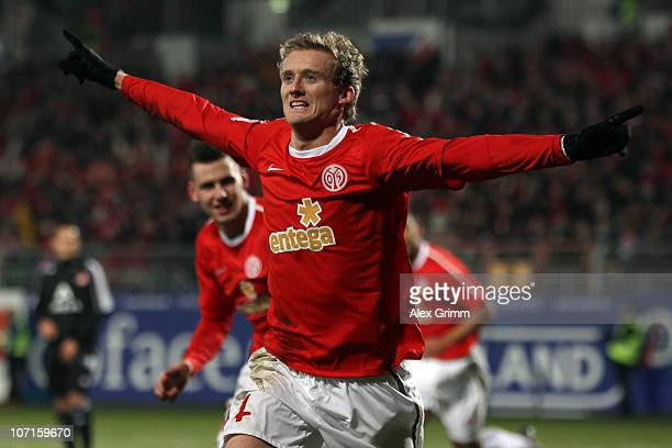 Andre Schuerrle of Mainz celebrates his team's first goal during the Bundesliga match between FSV Mainz 05 and 1 FC Nuernberg at Bruchweg Stadium on...