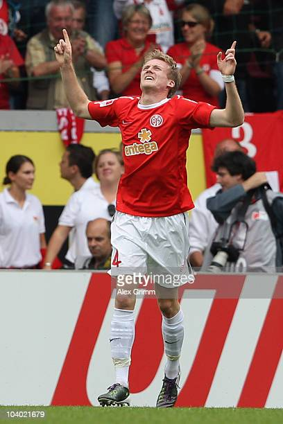 Andre Schuerrle of Mainz celebrates his team's second goal during the Bundesliga match between FSV Mainz 05 and 1 FC Kaiserslautern at the Bruchweg...