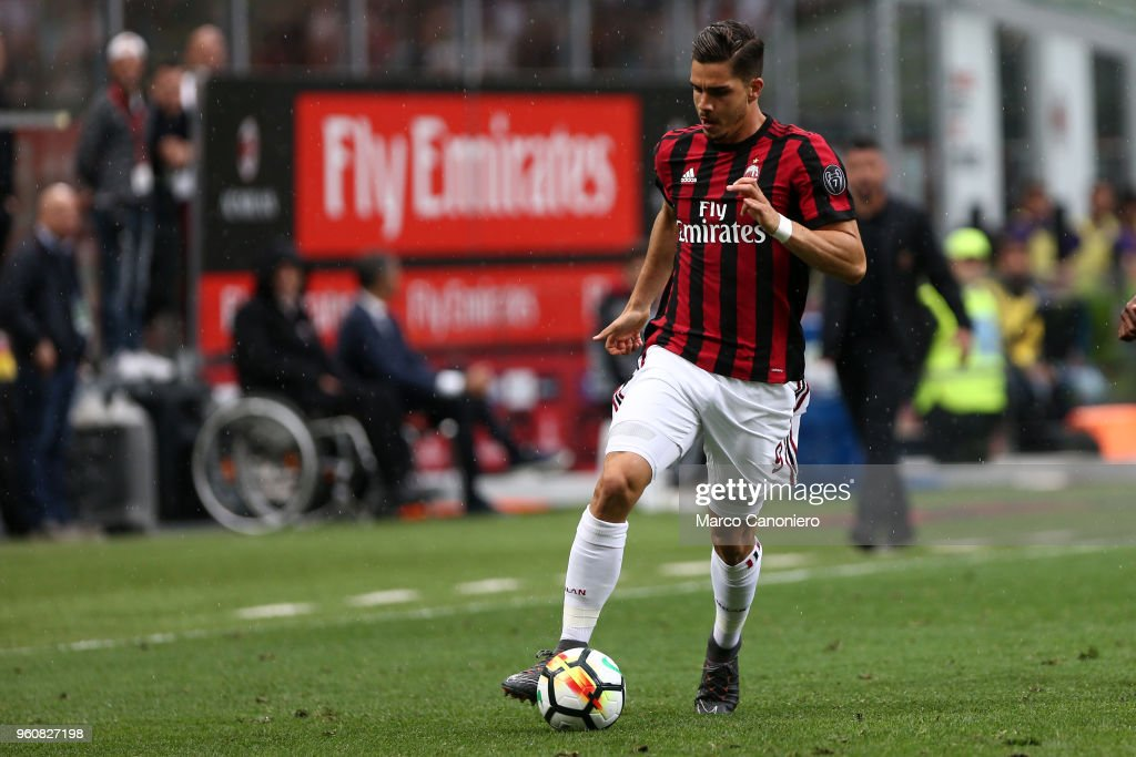 Andre Silva of Ac Milan  in action during the Serie A... : News Photo