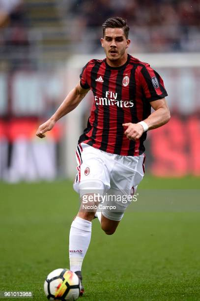 Andre Silva of AC Milan in action during the Serie A football match between AC Milan and ACF Fiorentina AC Milan won 51 over ACF Fiorentina