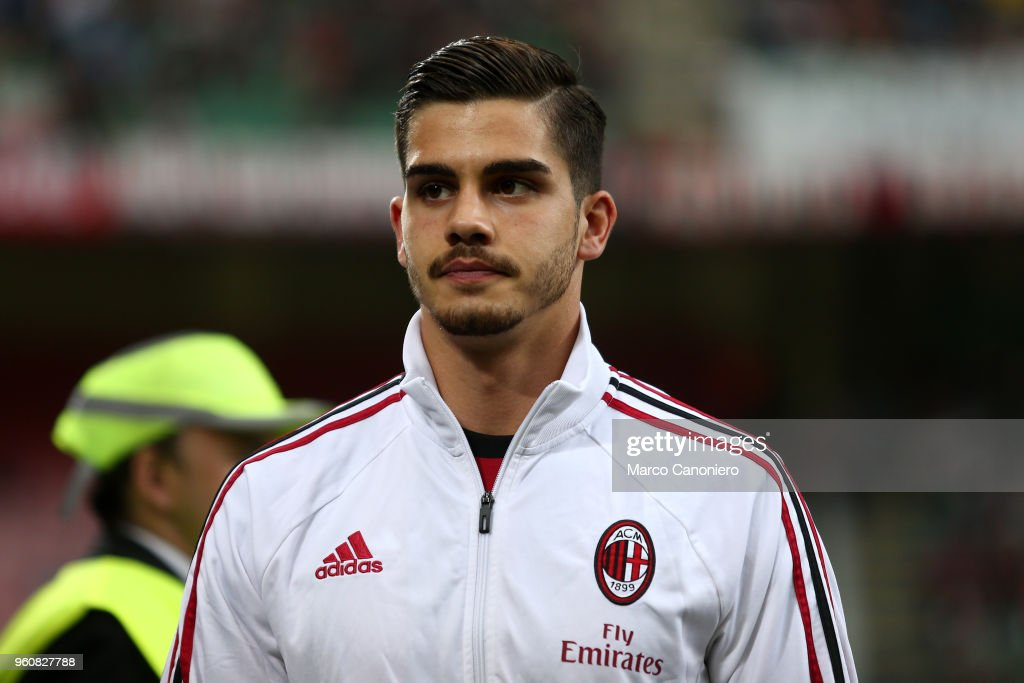 Andre Silva of Ac Milan  looks on before the Serie A... : News Photo