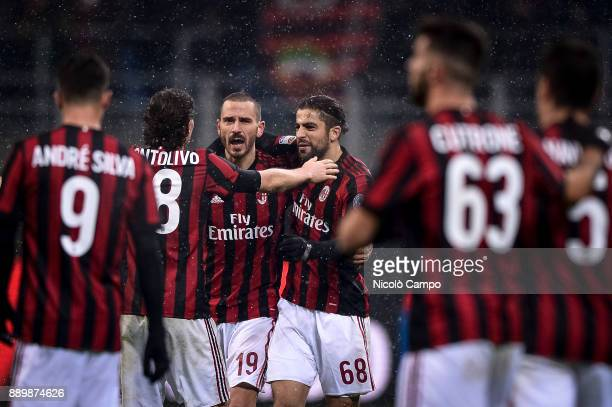 Andre Silva Riccardo Montolivo Leonardo Bonucci Ricardo Rodriguez Patrick Cutrone and Giacomo Bonaventura of AC Milan celebrate the vicotry at the...