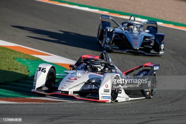 Andre , TAG Heuer Porsche Formula E Team, Porsche 99X Electric, action and 17 DE VRIES Nyck , Mercedes-Benz EQ Formula E Team, Mercedes-Benz EQ...