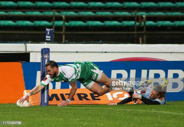 Andre Taylor of Manawatu scores a try during the round 5 Mitre 10 Cup match between Manawatu and Northland at Central Energy Trust Arena on September...
