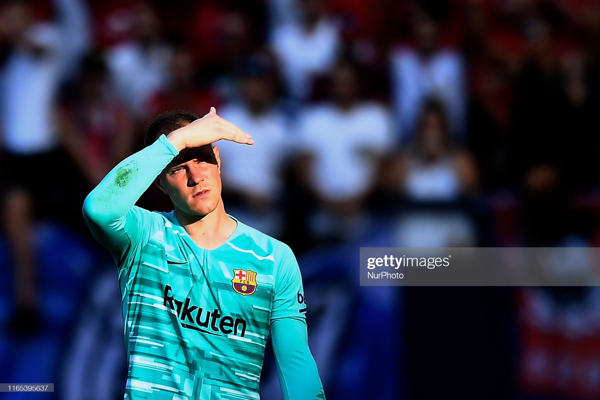 صور مباراة : أوساسونا - برشلونة 2-2 ( 31-08-2019 )  Andre-ter-stegen-of-barcelona-looks-on-during-the-liga-match-between-picture-id1165395637?s=2048x2048