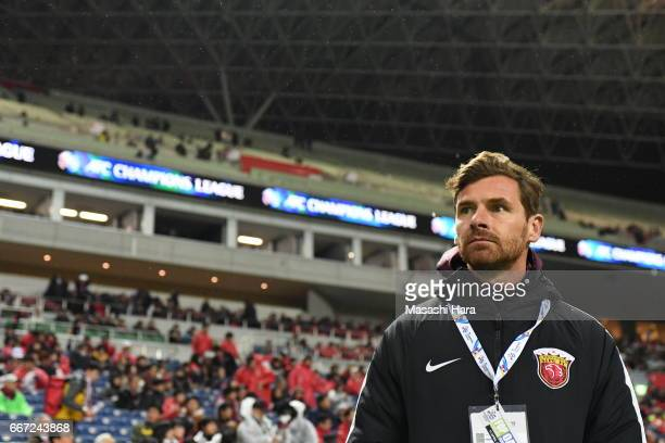 Andre Villas Boas of Shanghai SIPG looks on prior to the AFC Champions League Group F match between Urawa Red Diamonds and Shanghai SIPG FC at...