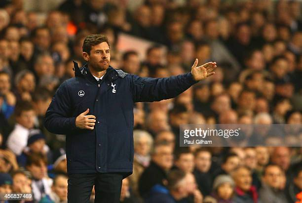 Andre VillasBoas manager of Tottenham Hotspur gives direction during the Barclays Premier League match between Tottenham Hotspur and Liverpool at...