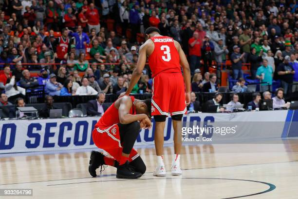 Andre Wesson reacts with CJ Jackson of the Ohio State Buckeyes during the second half against the Gonzaga Bulldogs in the second round of the 2018...