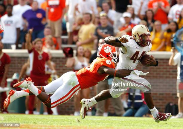Andre Williams of the Boston College Eagles rushes during the game against the Clemson Tigers at Memorial Stadium on October 12 2013 in Clemson South...