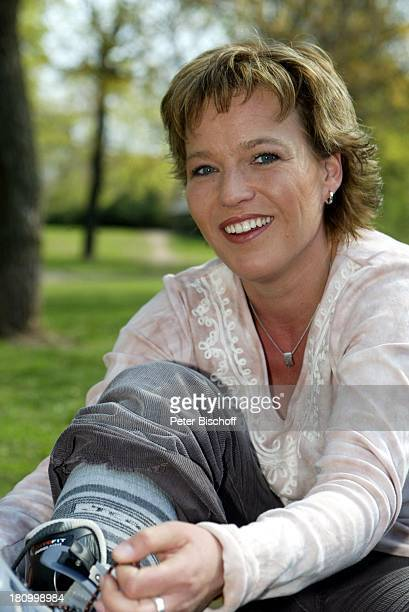 Andrea Ballschuh Berlin Deutschland Europa Schauspielerin Inlineskates skaten Inliner Sport