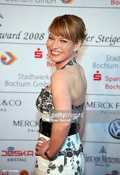 Andrea Ballschuh Gala Verleihung 'Steiger Award 2008' Bochum NordrheinWestfalen Deutschland Europa 'Jahrhunderthalle' roter Teppich RückenDekollete...