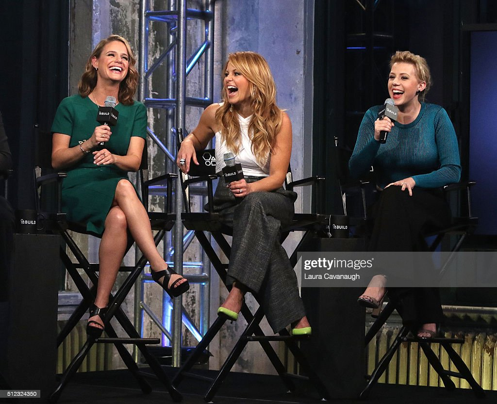 "AOL Build Speakers Series - Candace Cameron Bure, Jodie Sweetin, Andrea Barber and Jeff Franklin, ""Fuller House"" : Nachrichtenfoto"