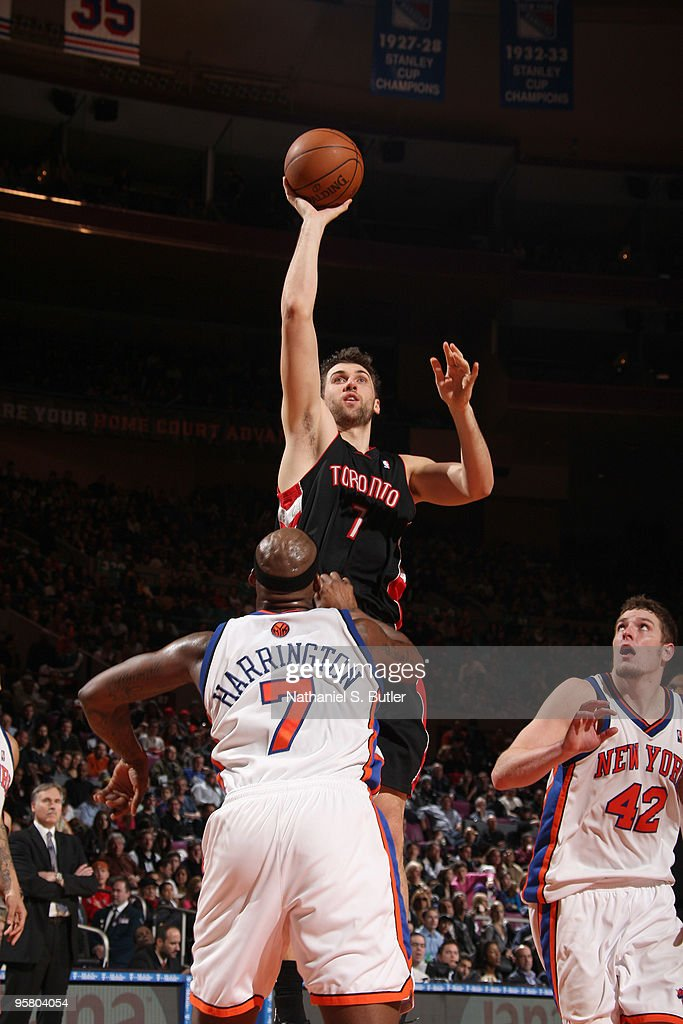 Andrea Bargnani #7 of the Toronto Raptors shoots against Al Harrington #7 of the New York Knicks on January 15, 2010 at Madison Square Garden in New York City.